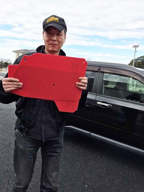 T31エクストレイルユーザーさんと赤のマッドフラップ